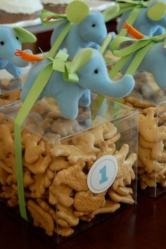 Jungle or elephant themed party favors.  Really cute.