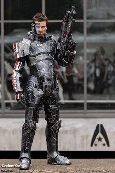 Commander Shepard (Mass Effect) - Cosplayed by Zephon Cos, photographed by take7x