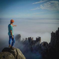 Não olhe para baixo! Essas pessoas fazendo slackline em lugares altíssimos vão te dar vertigem | Virgula