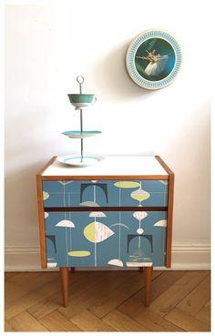 Vintage Nachttisch mit Sixties Oberfläche, Mini-Kommode fürs Wohnzimmer / vintage night stand 60s style made by janni. via DaWanda.com