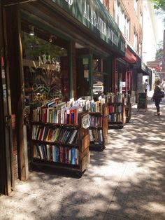 12 literary places book lovers have to visit #authors #books #booklovers #travel #visit #literaryadventure I Love Books, Books To Read, Book Cafe, Book Aesthetic, Book Nooks, Library Books, Architecture, Book Lovers, Coffee Lovers