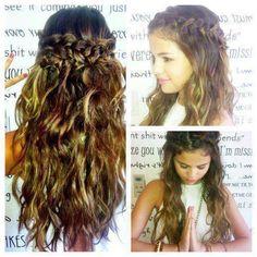 Selena Gomez's hair... so pretty.