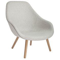 About a Lounge 92 stol fra Hay. Tanken med serien About a Lounge var å skape en loungestol med ...