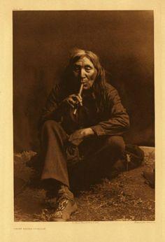 アメリカ・インディアンのアパッチ族の人々のポートレート