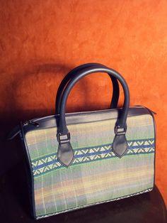 Tas Batik Prajapati dan Etnik Craft: Tas Batik dan Tas Tenun (1), Prajapati Product