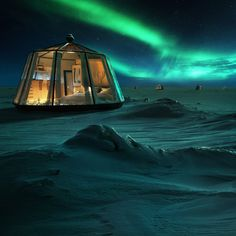 A Luxury Hotel Is Opening in the North Pole—and It Promises Breathtaking Views of the Northern Lights Polo Norte, Aurora Borealis, Algarve, August Pictures, Alaska, Underwater Restaurant, Arctic Circle, Island Resort, North Pole