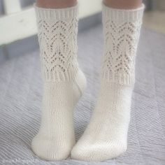 Beautiful and delicate lace pattern makes these socks wonderfully romantic! Lace Socks, Crochet Socks, Wool Socks, Knitting Socks, Knit Crochet, Tunisian Crochet, Crochet Granny, Lace Knitting, Rock Chic