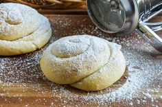 Pan de Mallorca is a sweet bread from Puerto Rico. It's origins can be traced back to the Ensaïmada, a coiled pastry from the Spanish Island of Majorca. The dough is rolled and coiled to cre… Artisan Bread Recipes, Pastry Recipes, Baking Recipes, Puerto Rican Dishes, Puerto Rican Recipes, Puerto Rico, Cheesecake Recipes, Dessert Recipes, Recipes