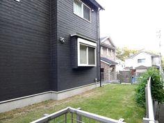 緑がとても良く映えています周辺のお宅ともキレイに調和しています