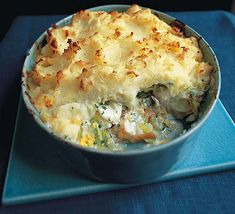 Fish Pie for dinner is indeed a good option, skill is to get it right. I don't prefer leeks,  used in this recipe, would rather replace them with shallots or just onions. I fancy green chili and would surely put some parsley. rest all goes well, as in this recipe.  This recipe states, you can keep it, I would rather have it straight from the oven.