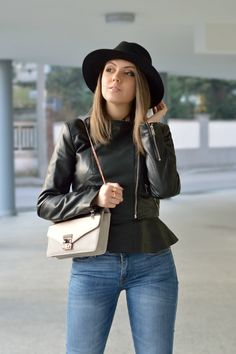 wearing Mango jeans & Zara leather jacket! For more click here: https://ellysafashion.wordpress.com/2015/12/09/wednesday/ #ootd #fashionblogger #zara #winter #hat #pochette #outfit