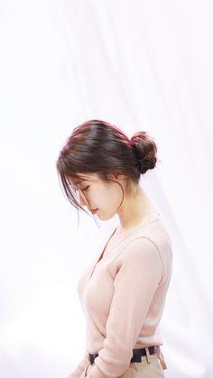 Posted by Sifu Derek Frearson Korean Beauty Girls, Korean Women, Korean Girl, Asian Girl, Korean Actresses, Korean Actors, Asian Celebrities, Celebs, Iu Fashion
