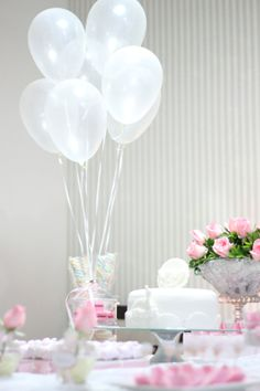 Batizado, baptism, party, decor, festa, decoraçao, mesa de doces, sweets table, dessert table, ovelha, little lamb, balloons
