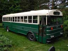 Any suggestions for a reasonably priced (cheap) way to paint a school bus? Will be starting work on a RAGBRAI bus this spring, adding the top deck, etc. What does automotive primer & paint go for? School Bus Camper, Rv Bus, School Buses, School Bus Rv Conversion, Camper Conversion, Massachusetts, Converted School Bus, Bus Living, Tiny Living