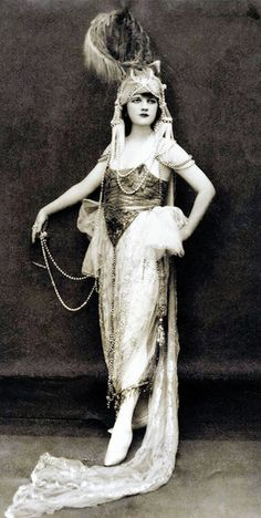 ♕ Vintage Costume Variations ♕ Jessie Reed, Ziegfeld Follies Girl - 1920's -  Photo by Edward Thayer Monroe