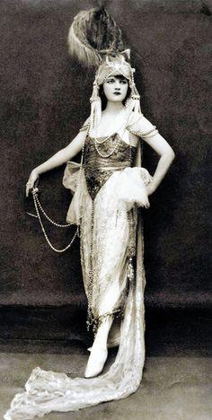 Jessie Reed, Ziegfeld Follies Girl - 1920's - Photo by Edward Thayer Monroe