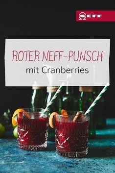 Wenn das Wetter draußen kalt und ungemütlich wird, ist genau die richtige Zeit für einen heißen Punsch: Der Trunk aus Cranberry-, Kirsch- und Apfelsaft, sowie Orangen, Limetten, Cranberries und Kirschen ist dazu eine echte Vitaminbombe im Winter. Cocktails, Drinks, Cranberries, Shot Glass, Smoothies, Tableware, Desserts, Gourmet, Apple Juice