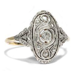 Leicht & Beschwingt - Schöner Diamant-Ring in Gold & Silber, Art Déco um 1925. Photo © 2016 Hofer Antikschmuck Berlin