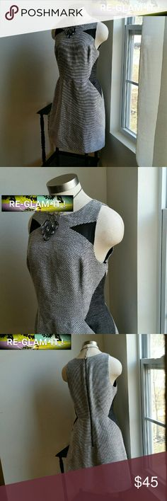BANANA REPUBLIC. ...GORGEOUS DRESS... ...ADDING INFO SOON..EXCELLENT CONDITION  ...NORMAL WEAR ..NO FLAWS.. ...LOOSE FEEL...A MUST HAVEEEE  ...SIDE POCKETS .. ...4 PIC SHOWS DESIGN THROUGHOUT Banana Republic Dresses