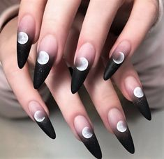 Ongles Gel Halloween, Halloween Acrylic Nails, Best Acrylic Nails, Acrylic Nail Designs, Painted Acrylic Nails, Halloween Coffin, Halloween Ideas, Edgy Nails, Grunge Nails