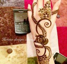 arabic henna Mehendi, Mehandi Henna, Jagua Henna, Mehndi Art, Rose Mehndi Designs, Arabic Henna Designs, Henna Tattoo Designs, Henna Arm, Back Henna