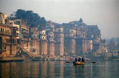 Important reasons that you should know while visiting in Uttar Pradesh Exploring famous tourist places are the best time to spend in Uttar Pradesh.