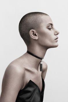 Skarp Agent - Carl Bengtsson - All - 42725 Super Short Hair, Short Hair Cuts, Short Hair Styles, Buzz Cut Women, Buzz Cuts, Men's Cuts, Beauty Shoot, Hair Beauty, Girls With Shaved Heads
