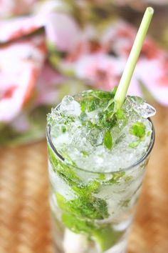 Cheers to an early summer with Lemongrass Mojitos!i love a basil mojito also. Summer Drinks, Fun Drinks, Beverages, Spicy Drinks, Ginger Mojito, Cheers, Easy Asian Recipes, Healthy Recipes, Indian Recipes