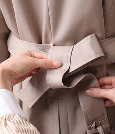 コートのベルトの結び方 ファッション通販のNY.online Sarong Wrap, Wrap Clothing, Fashion Articles, Fall Trends, Belts For Women, Fashion Outfits, Womens Fashion, Wardrobes, Capsule Wardrobe