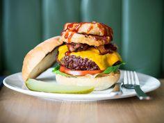 Big BBQ Burger @ Ludwig (Das Burger Restaurant, Innsbruck | Salzburg Bbq Burger, Burger Restaurant, Innsbruck, Salzburg, Ludwig, Hamburger, Big, Ethnic Recipes, Food