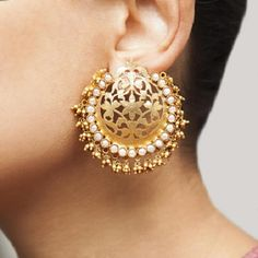 Indian Jewelry - Stylish Jewelry for your Indian Bride >>> Learn more by visiting the image link. Indian Jewelry Earrings, Jewelry Design Earrings, Filigree Jewelry, Gold Earrings Designs, Gold Jewellery Design, India Jewelry, Bridal Earrings, Designer Earrings, Wedding Jewelry
