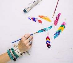 DIY Painted Feathers by SoulMakes