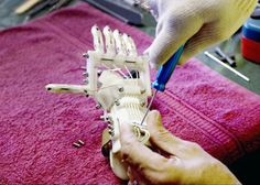Richard van As, robohand, 3d printers, prosthetic hand, prosthetics, prosthetic limbs, indiegogo scheme, plastic, 3d printing materials