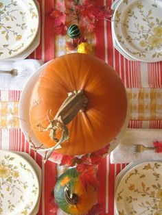 A Fall Table Setting @ The Wicker House