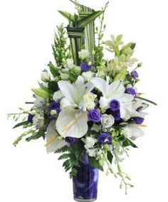 Hoa chúc mừng kỷ niệm cưới đã trở thành 1 trong những món quà không thể thiếu trong ngày kỉ niệm ngày cưới. Đó là ngày kỉ niệm một dấu mốc quan trọng trong một đời người.