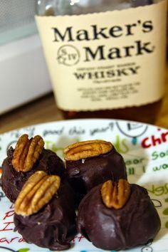 Kentucky Pecan Bourbon Balls #makersmark #southernrecipe