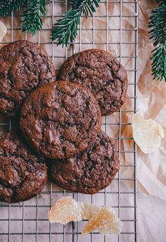 Eggnog & Gingerbread Ice Cream Cookie Sandwiches @blogoverthyme