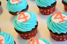 "MegMade Cakes: Aubrey's ""Olivia the Pig"" birthday"