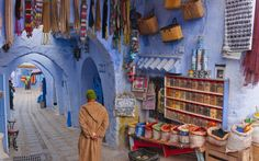 Chefchaouen, a small town in Morocco. Cheap Places To Travel, Places To Go, Marrakech, Fes Medina, Temple Maya, Morocco Chefchaouen, Tangier Morocco, Morocco Hotel, Delta Du Mekong