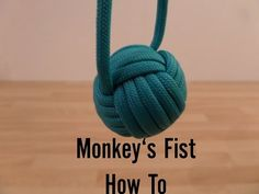 Paracordist how to tie a monkeys fist knot w/ 2 paracord strands out for a self defense keychain Paracord Tutorial, Paracord Knots, Rope Knots, Macrame Tutorial, Monkey Fist Keychain, Paracord Monkey Fist, Monkey Fist Knot, Monkey's Fist, Rope Crafts