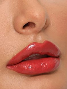 Net Weight (g): g Size (cm): cm Benefits: Long-wearing, Smudge Proof Finish: Cream /Satin Color: Red Party Makeup, Makeup Kit, Makeup Lipstick, Makeup Cosmetics, Close Up Faces, Celebrity Makeup Looks, Girls Lips, Nice Lips, Best Lipsticks