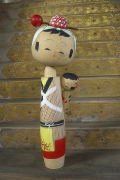 Kokeshi with child ------ #japan #japanese ❥Teresa Restegui http://www.pinterest.com/teretegui/❥