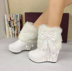 Cozy and Cute Fur Boots for You to Wear This Winter - http://www.stylishboard.com/cozy-cute-fur-boots-wear-winter/