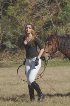 North American Horse Woman North American Horse W Equestrian Girls, Equestrian Outfits, Equestrian Style, Hot Country Girls, Country Women, Vaquera Sexy, Sexy Women, Women Wear, Curvy Women