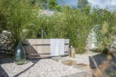 decordemon: Breathtaking Finca in the countryside of Ibiza Small Courtyard Gardens, Beach Gardens, Outdoor Gardens, Outdoor Tub, Outdoor Decor, Outdoor Showers, Ibiza Island, Ibiza Spain, Spain Holidays