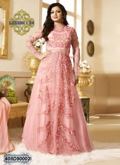 Sana Salman's Spring Summer Couture Collection is an epitome of timeless beauty. The collection entails luxurious fabrics of organza, nets and voile silk in rich hues of ivory whites, fuschia p… Wedding Gown Jewellery, Wedding Lehnga, Bridal Lehenga Choli, Pakistani Bridal, Indian Bridal, Evening Gowns Online, Wedding Gowns Online, Designer Wedding Gowns, Long Evening Gowns