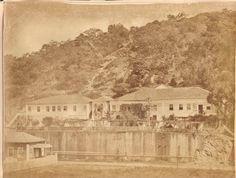 Rua presidente Domiciniano por volta do ano de 1860. A casa em frente é onde funciona o atual restaurante Jambeiro. Colaboração de Roberto Moraes