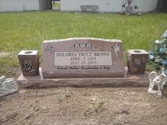 Slant monuments with Beautiful SandBlasted images #dog and #AmericanFlag #Monument #Marker #tombstone