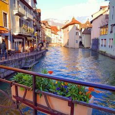 10 Reasons you must visit Annecy