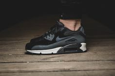 Nike WMNS Air Max 1 »Iron Metallic Pewter« | EU 37,5 40